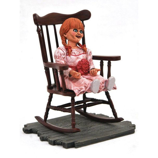 Figura Annabelle - Movie Gallery - The Conjuring Universe